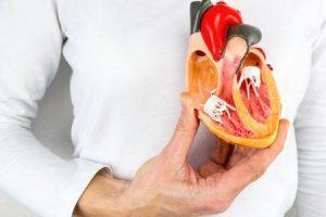 qual é a diferença entre ataque cardíaco e insuficiência cardíaca