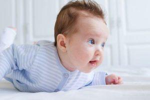 síndrome da cabeça chata em bebês