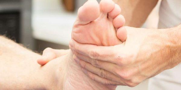 tornozelos fracos causam exercícios de efeitos