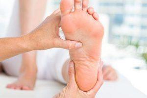 tornozelos inchados de voar