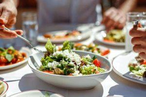 7 sugestões de dieta para regular ataques de ansiedade por causa de comida
