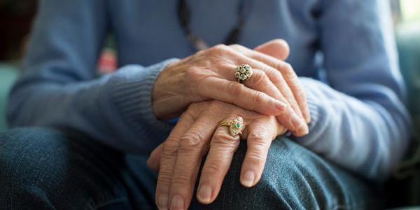Quais são os efeitos a longo prazo da doença de Parkinson