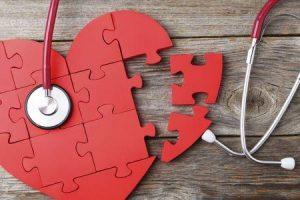 Quais são os sintomas de uma válvula cardíaca aórtica ruim