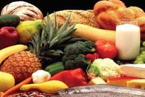 alimentos ricos em proteínas e frutas