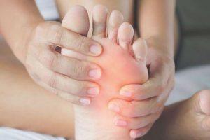 artrite dor no pé 5 melhores maneiras de aliviar seus sintomas