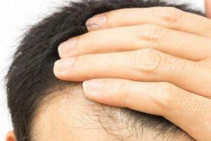 benefícios da biotina para a saúde dos cabelos e unhas