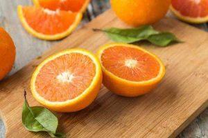benefícios de vitaminas e nutrientes em frutas cítricas