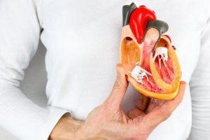 cardiopatia congênita em adultos fatores de risco complicações diagnóstico