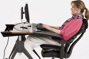 como selecionar cadeiras de escritório ergonômicas para dor nas costas e como isso ajuda a reduzir a dor nas costas