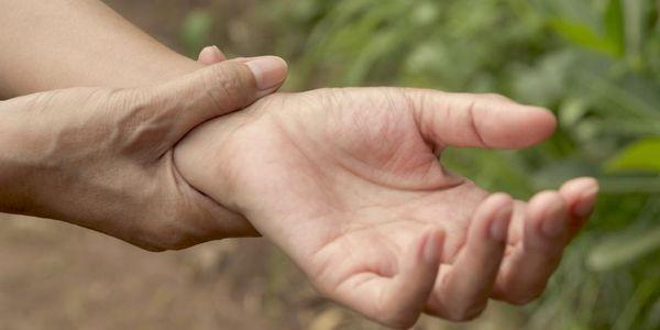 dor nas articulações do punho