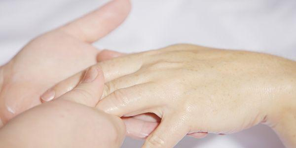 massagem terapêutica pode fazer maravilhas no tratamento da síndrome do túnel do carpo ou cts