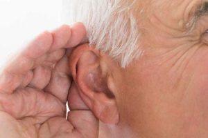 o que é dano do nervo da orelha interna