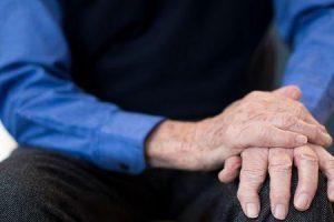 o que é pílula rolando na doença de parkinson