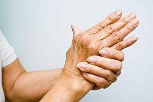 o que é poliartrite inflamatória