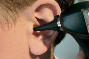 otite média ou infecção do ouvido médio