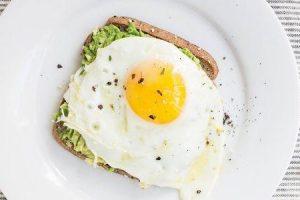 ovo branco vs gema de ovo