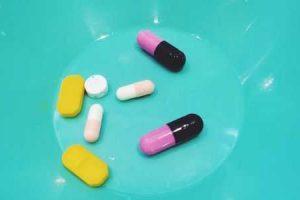 prós e contras de antibióticos