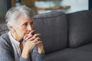 relação entre cardiomiopatia takotsubo e troponina