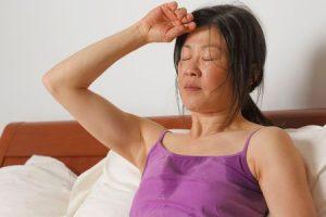 suando enquanto dorme