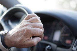 você pode dirigir um carro com doença parkinsons