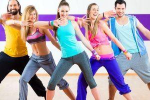 zumba um programa de fitness de dança colombiana aprender os tipos de perda de peso de classes de zumba